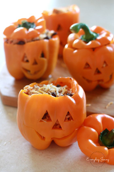 Stuffed peppers with shredded chicken